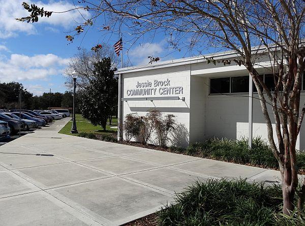 Jessie brock community center winter garden fl city of winter garden recreation for Winter garden recreation center